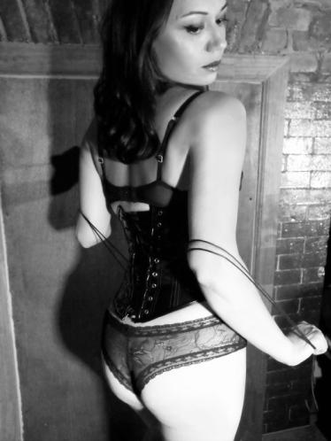 Naomi Fatale16